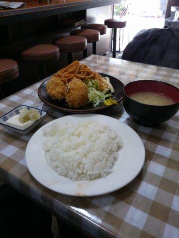 カニコロッケ定食